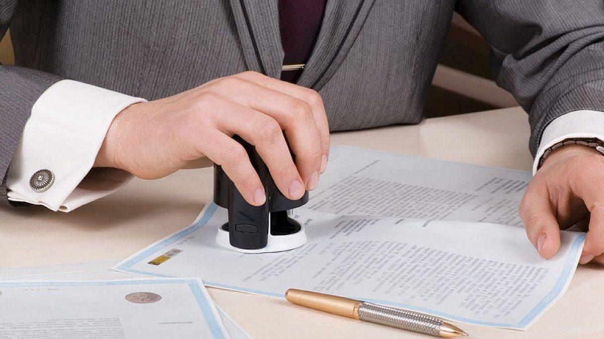 Президент отменил обязательное использование печатей юрлицами и предпринимателями